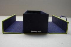 Zijdelings openklapbare doos